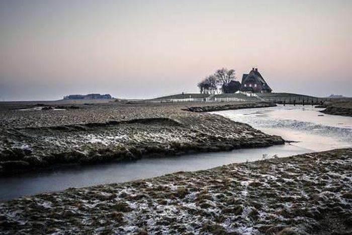 Халлиги - временные острова у побережья Северного моря (20 фото)