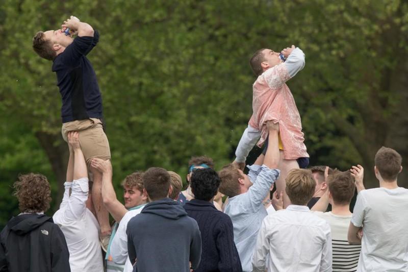 Студенты Кембриджского университета на традиционной вечеринке Caesarian Sunday (32 фото)