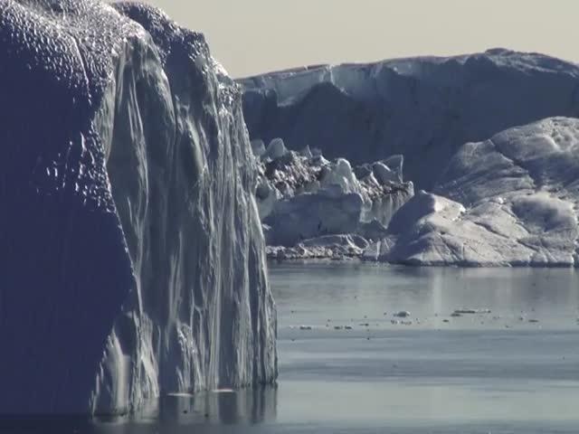 Как ломаются гигантские айсберги