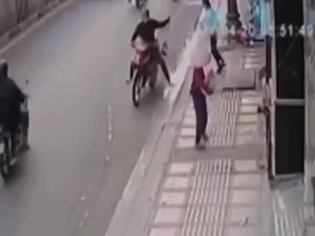 Таксист остановил грабителя