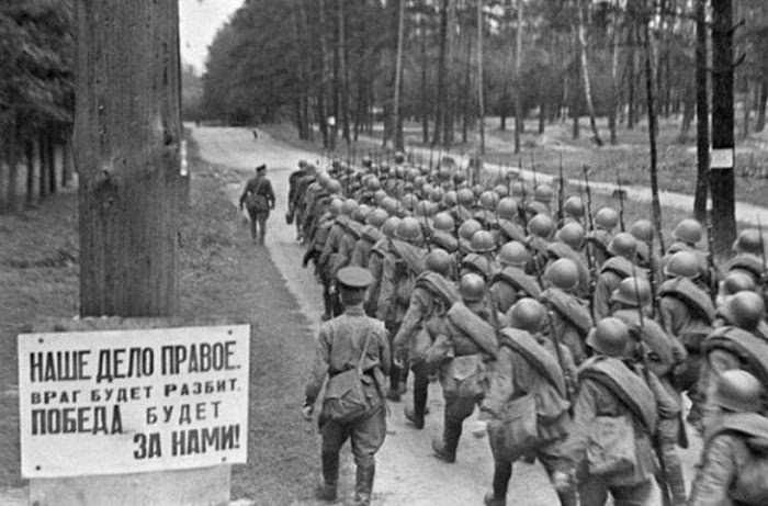 Снимки первых недель Великой Отечественной войны (25 фото)