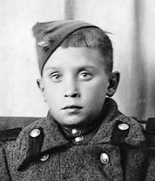 Юный разведчик Сан Саныч (7 фото)