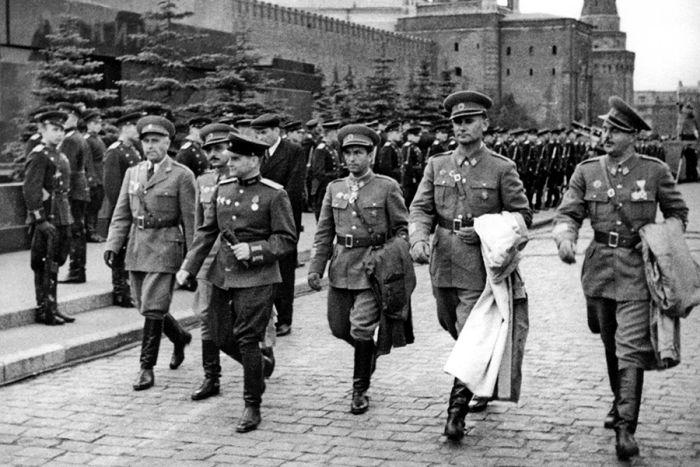Интересные факты о параде Победы 24 июня 1945 года (12 фото)