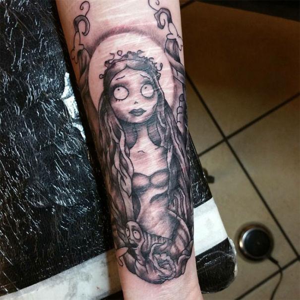 Шрамы, покрытые татуировками (30 фото)