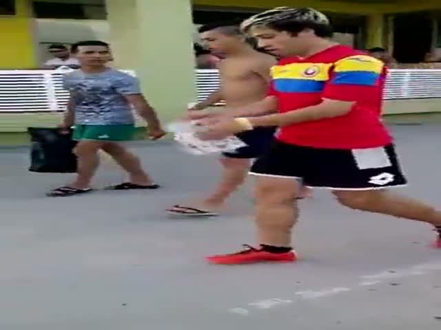 Невероятные трюки с мячом