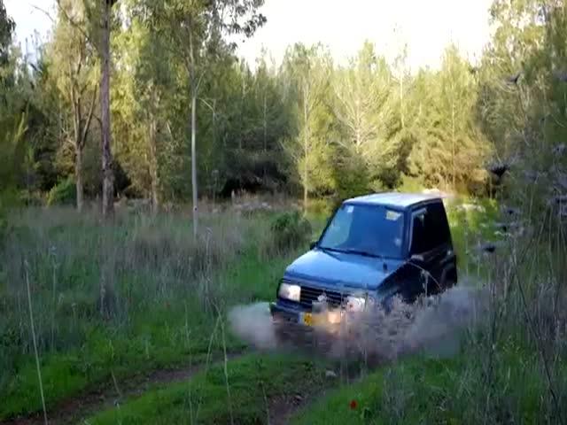 Мужчина создал интересное рекламное видео для продажи своего авто