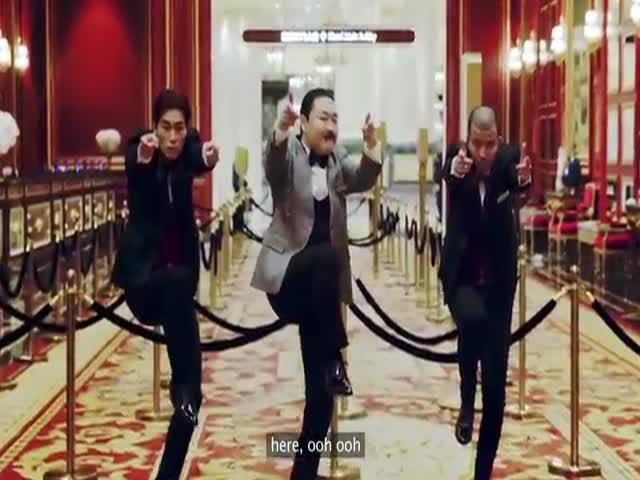 Исполнитель хита Gangnam Style певец PSY выпустил два новых клипа