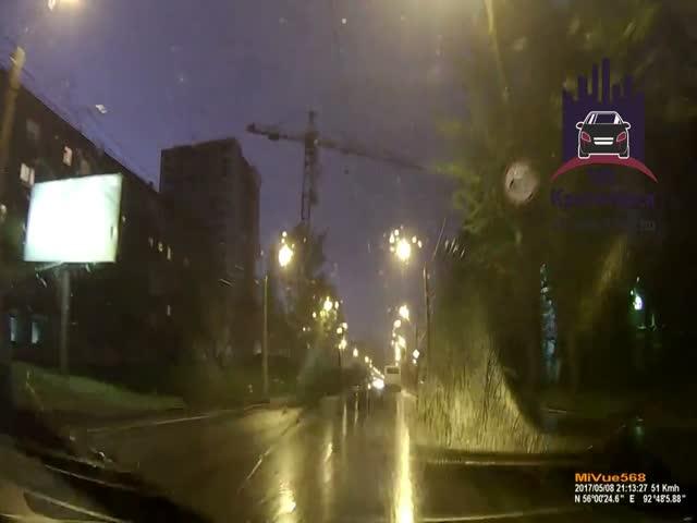 Падение башенного крана в Красноярске