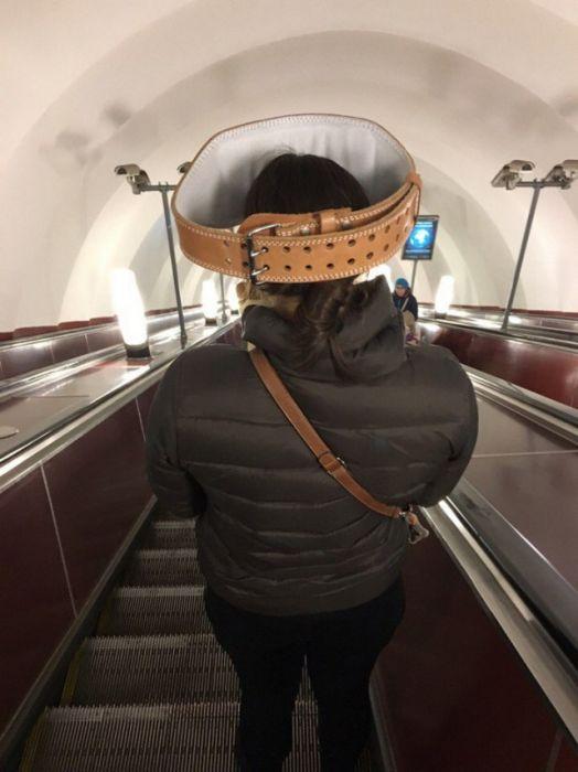 Странные пассажиры российского метро (33 фото)
