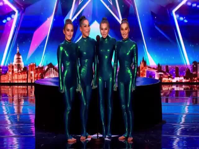 Бурятские артистки из Цирка Дю Солей на шоу «Британия ищет таланты»