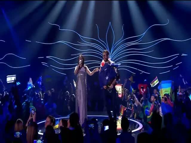 Во время выступления Джамалы на сцене Евровидения