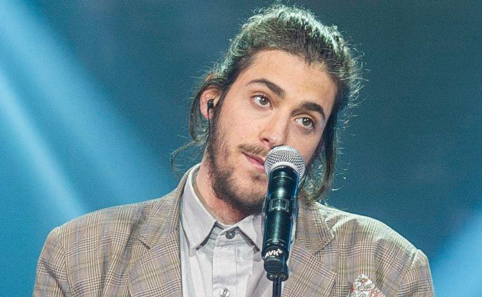 Сальвадор Собрал с песней Amar Pelos Dois, представляющий Португалию на «Евровидении-2017» (фото + видео)