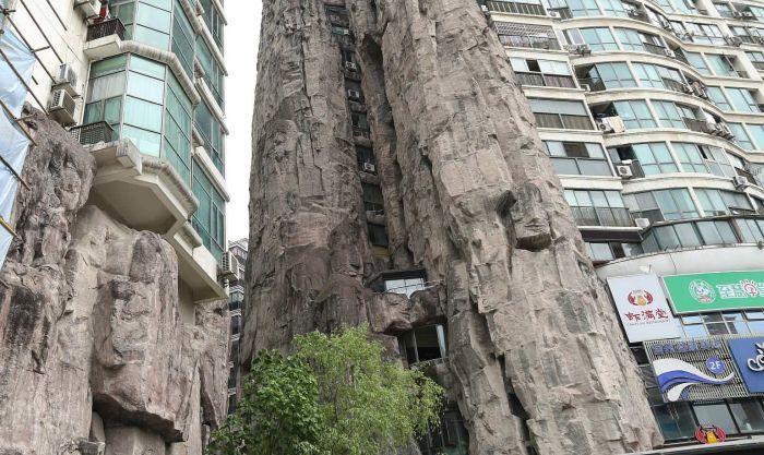 Дом-гора в центре Шанхая (3 фото)