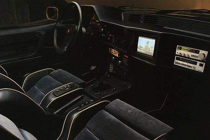 Роскошные интерьеры автомобилей 80-х (18 фото)