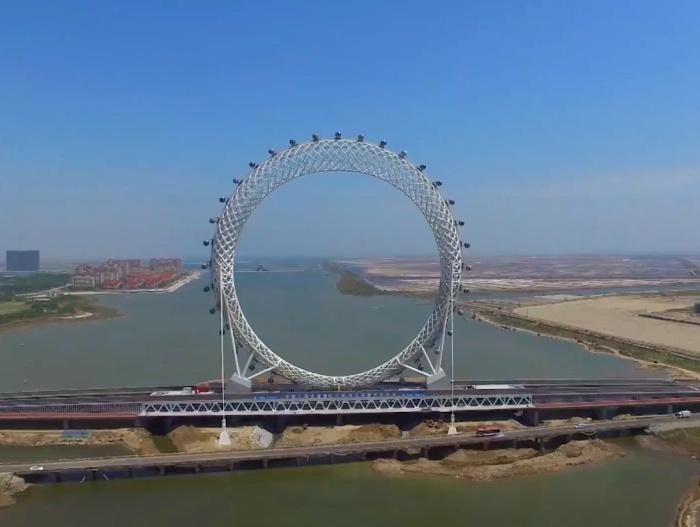 Самое высокое в мире колесо обозрения без спиц (4 фото + видео)