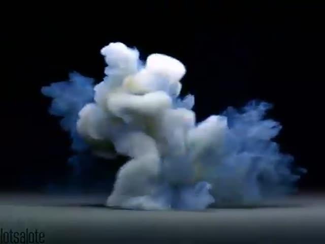 Необычное представление с дымом