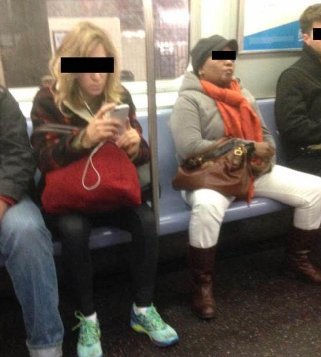 Женщины в общественном транспорте — img 13