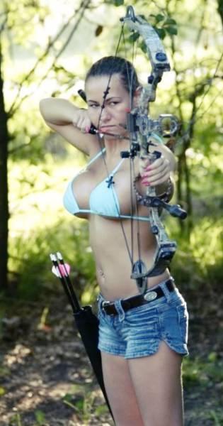 Прекрасные лучницы (40 фото)