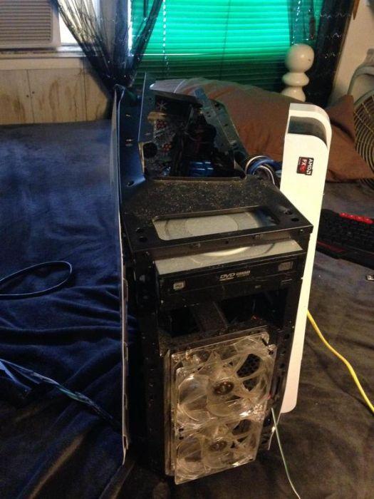Сломавшийся компьютер (7 фото)