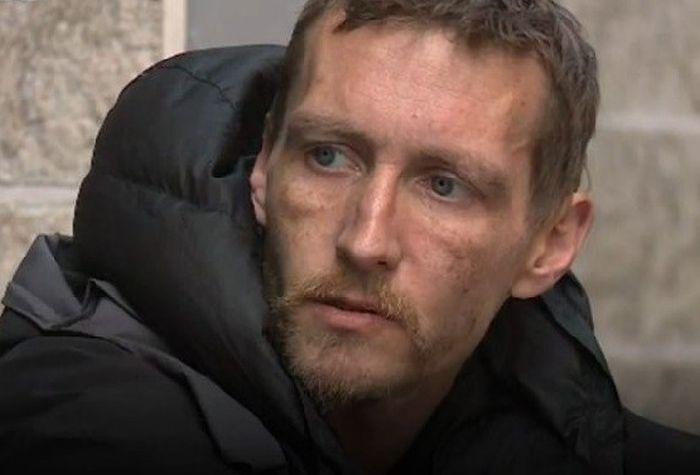 Бездомному мужчине, помогавшему раненым во время теракта в Манчестере, пожертвовали 30 000 фунтов стерлингов