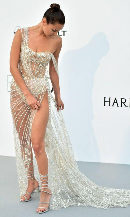 Модель Белла Хадид привлекла внимание откровенным нарядом на Каннском кинофестивале (5 фото)
