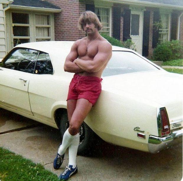 Мода на мужские шорты в 70-е годы  (20 фото)