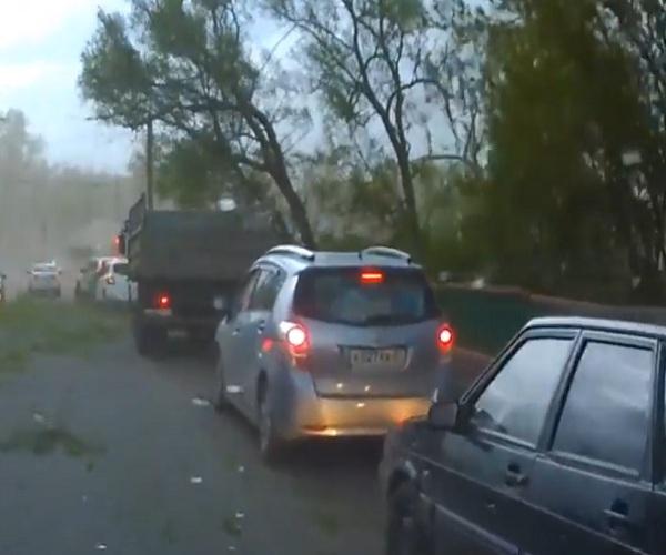 На Иваново обрушился ураганный ветер
