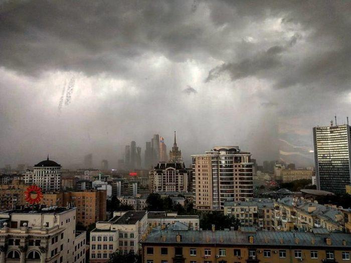 На Москву обрушился ураган (18 фото + 3 видео)