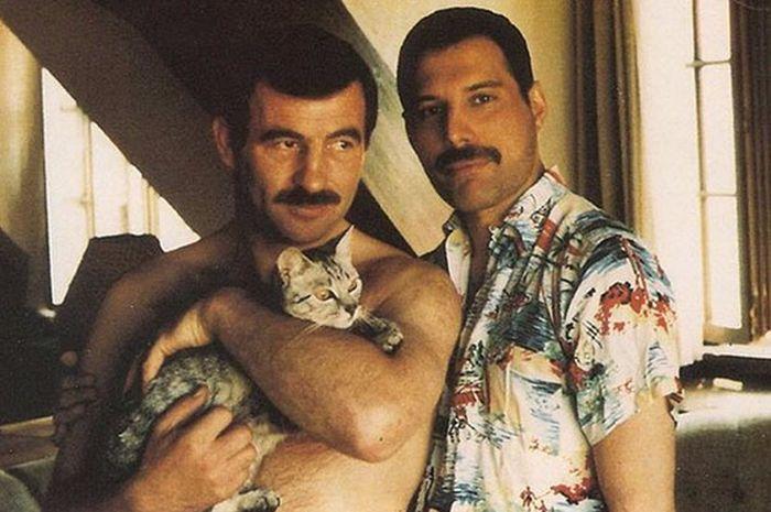 В сети опубликовали фото последнего бойфренда Фредди Меркьюри Джима Хаттона (24 фото)
