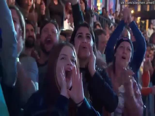 Потрясающее выступление актера Стивена Амелла на шоу «Американский Воин-Ниндзя»