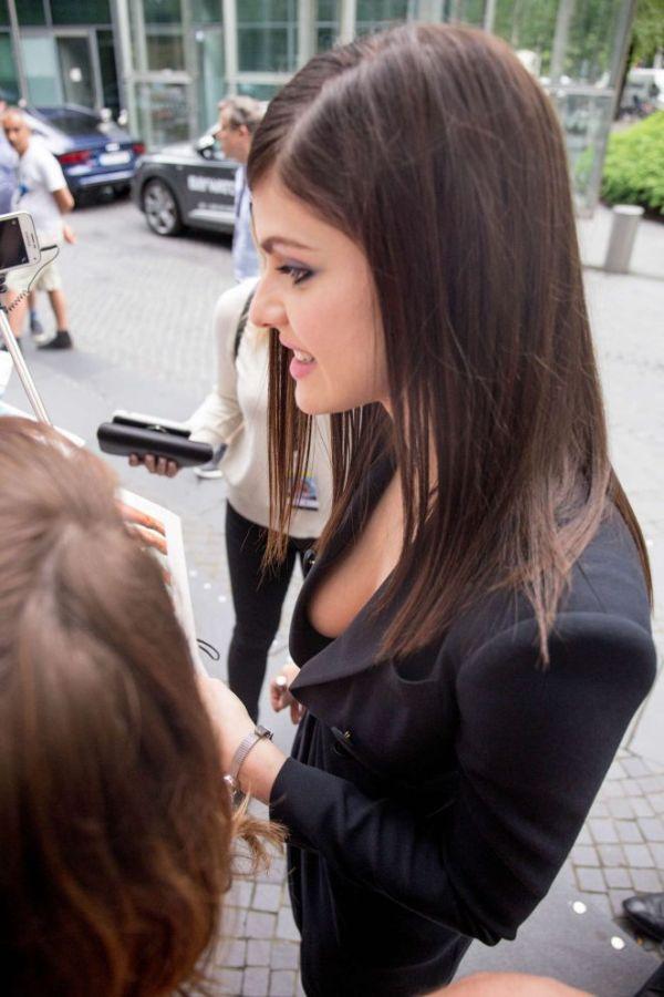 Александра Даддарио на немецкой премьере фильма «Спасатели Малибу» (9 фото)