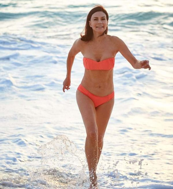 Австралийка, отказавшаяся от сладкого 28 лет назад, выглядит невероятно молодо для своих лет (6 фото)
