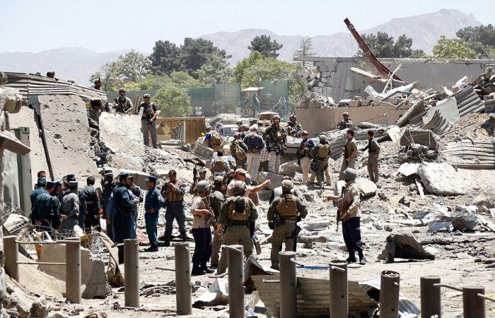 Крупный теракт в Кабуле у посольства Германии (12 фото + 3 видео)