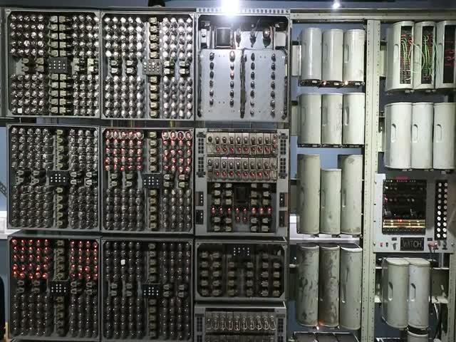 Harwell Computer - самый старый в мире рабочий компьютер