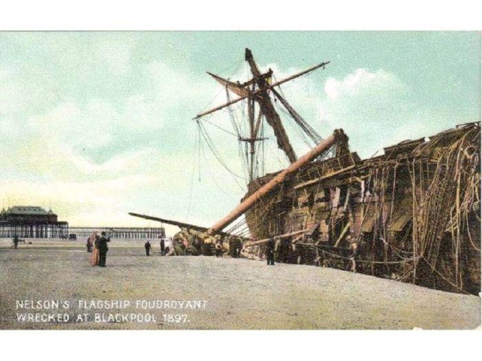 wooden_ships_10.jpg