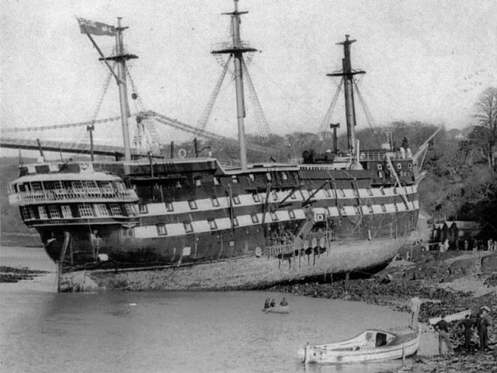 wooden_ships_11.jpg