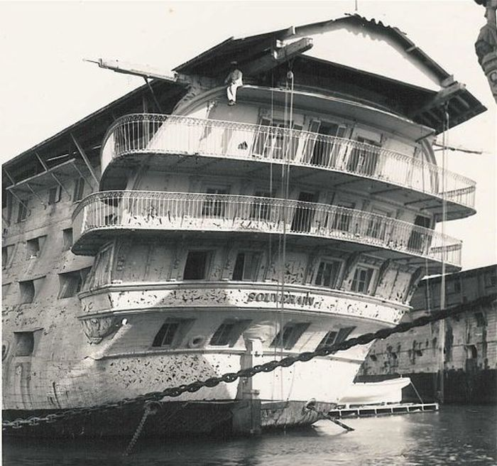 wooden_ships_18.jpg