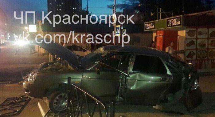 Свобода вскружила голову автомобилисту (3 фото)