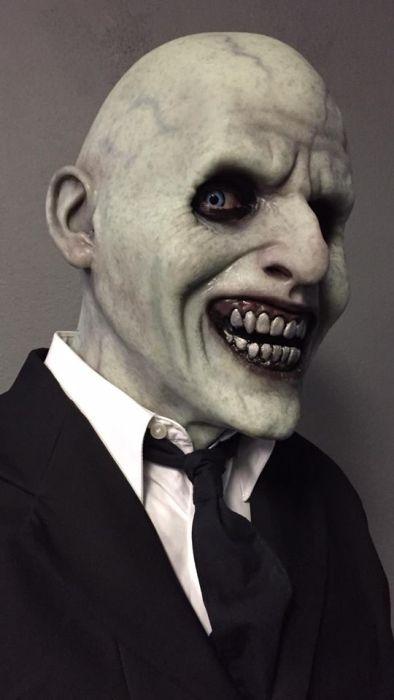 Реалистичные маски (17 фото)
