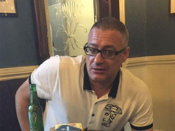 В Лондоне футбольный фанат Рой Лернер преградил путь террористам (3 фото)