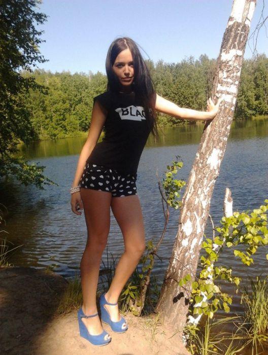 Привлекательные девушки из соцсетей (31 фото)