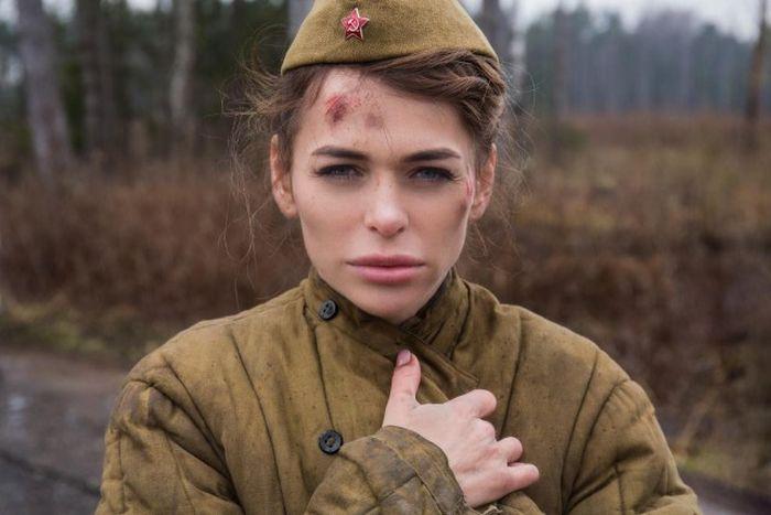 Фотовыставка проекта «Месяц Май» возмутила ветеранов (4 фото)