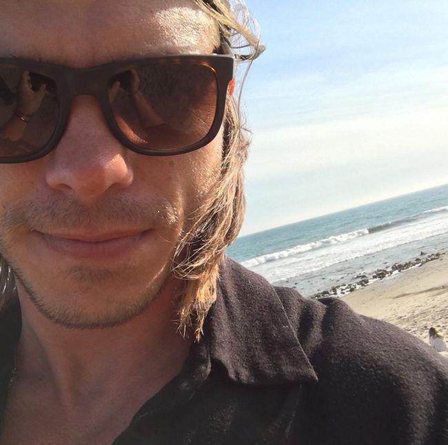 Актер Мэттью Лоуренс, Крис из фильма «Миссис Даутфайр», тогда и сейчас (9 фото)