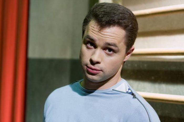 Актер Виталий Гогунский, Кузя из «Универа», недоволен ремонтом, сделанным передачей «Идеальный ремонт» (6 фото)