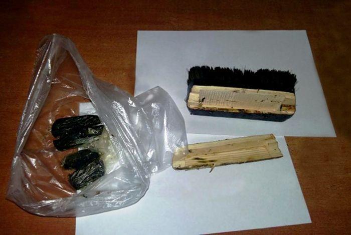 Запрещенные предметы, не попавшие к заключенным (12 фото)