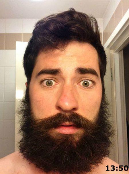 Парень выбрал неудачный момент, чтобы сбрить бороду (4 фото)