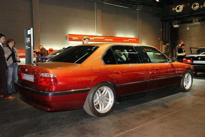 BMW 7-Series Long E38 от модельера Карла Лагерфельда (9 фото)