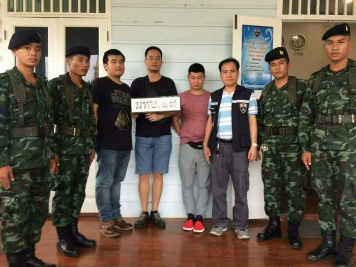 В Таиланде закрыли ферму по накрутке кликов в социальной сети WeChat (5 фото + видео)