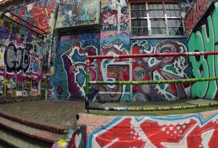 Стена граффити в Нидерландах (6 фото)