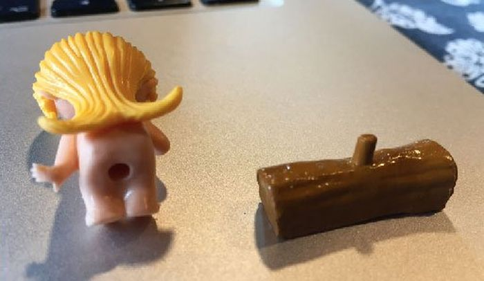 Необычная игрушка из «киндер-сюрприза» (3 фото)